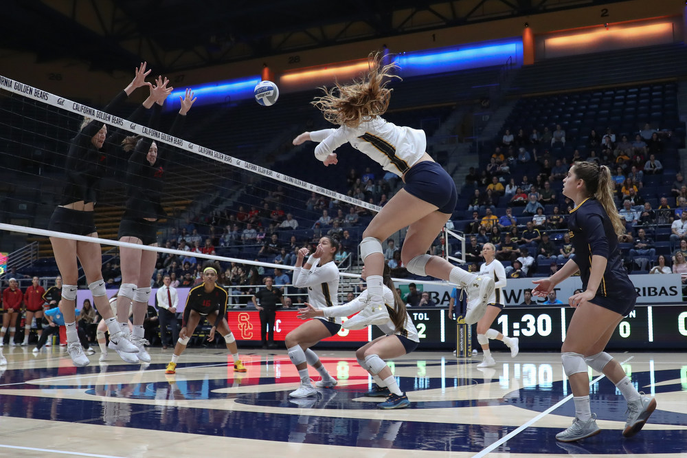 November 17, 2019; Haas Pavilion, Berkeley, California, USA; Women's Volleyball: California Golden Bears vs. USC Trojans.  Makana Meyer (23); Photo credit: Al Sermeno - KLC fotos